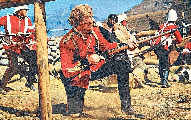 Майкл Кейн в фильме «Зулу», который показал с точностью период красных мундиров. Изображение с The Telegraph.