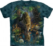 The Mountain T-Shirt Enchanted Wolf Pool 104866